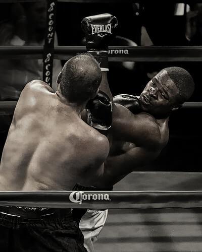 この画像は、サイトの記事「ボクシング アッパー 打ち方 ネットや口コミで話題 YouTube注目無料視聴動画ご紹介!」のイメージ写真画像として利用しています。