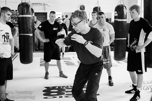 この画像は、サイトの記事「ボクシング トレーニング ステップ ネットや口コミで話題 YouTube注目無料視聴動画ご紹介!」のイメージ写真画像として利用しています。